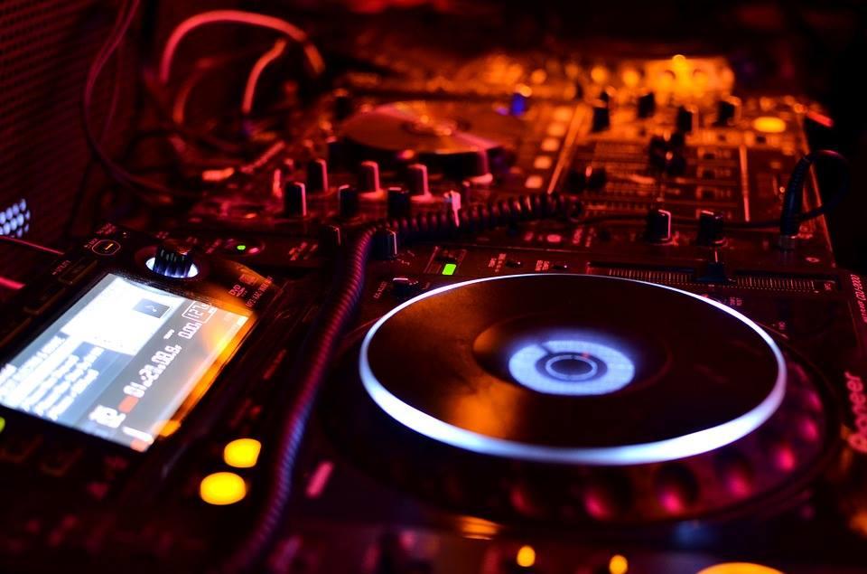 À Paris - Les Bonnes adresses - Dancefloor et DJ